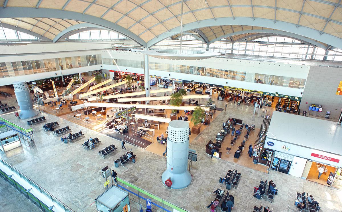 Alicante airport, Costa Blanca Easter travel